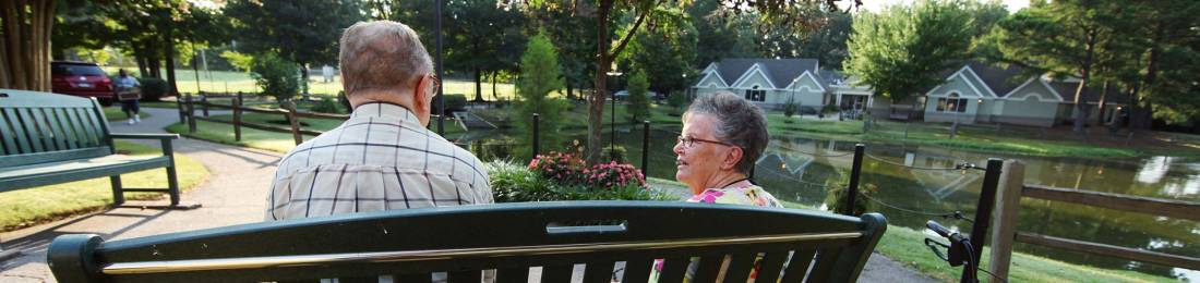 Tips for Helping Your Aging Loved One Enjoy the Warm Weather