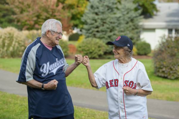 How assisted living communities give seniors a sense of community