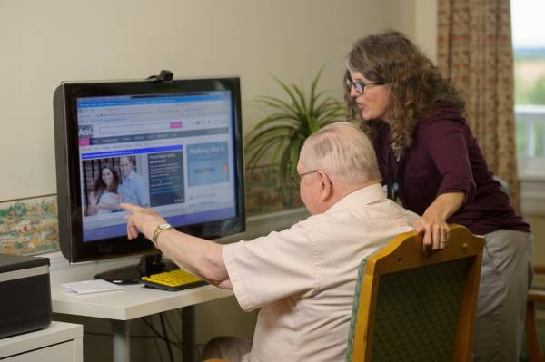 Senior Living and Staying Connected Through the Internet
