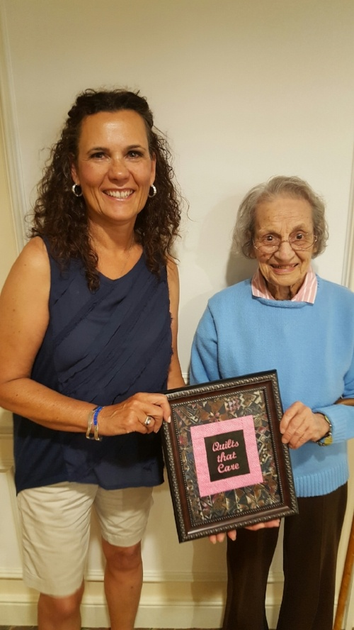 Middlewoods of Farmington Resident Receives Award from Quilts that Care