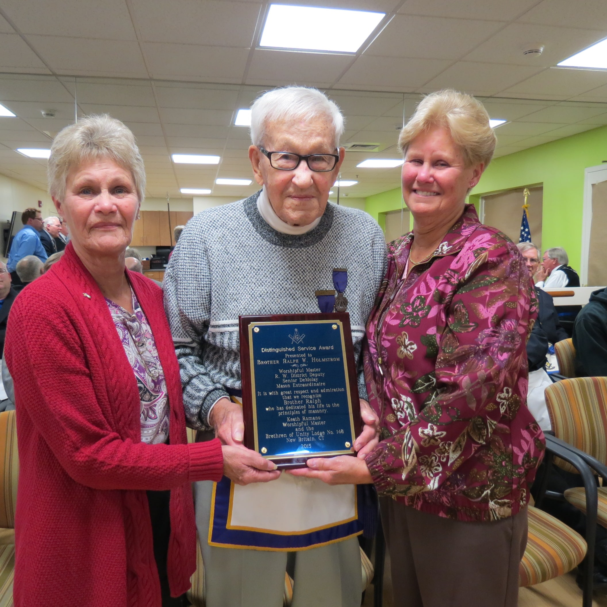 Ralph Holmstrom Honored by Local Masons