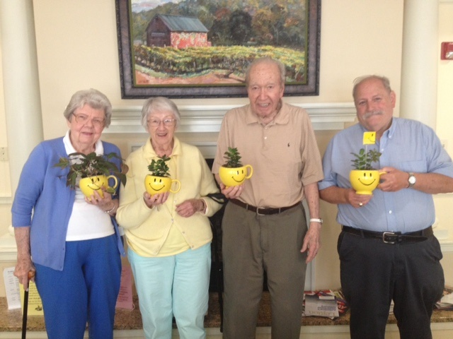 Middlewoods of Farmington Residents Celebrate Teleflora's 16th Annual Make Someone Smile Week