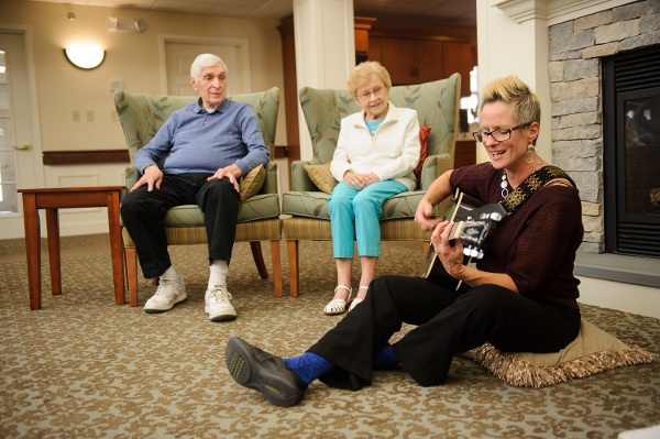 Helping Your Loved One Maintain Independence with Dementia