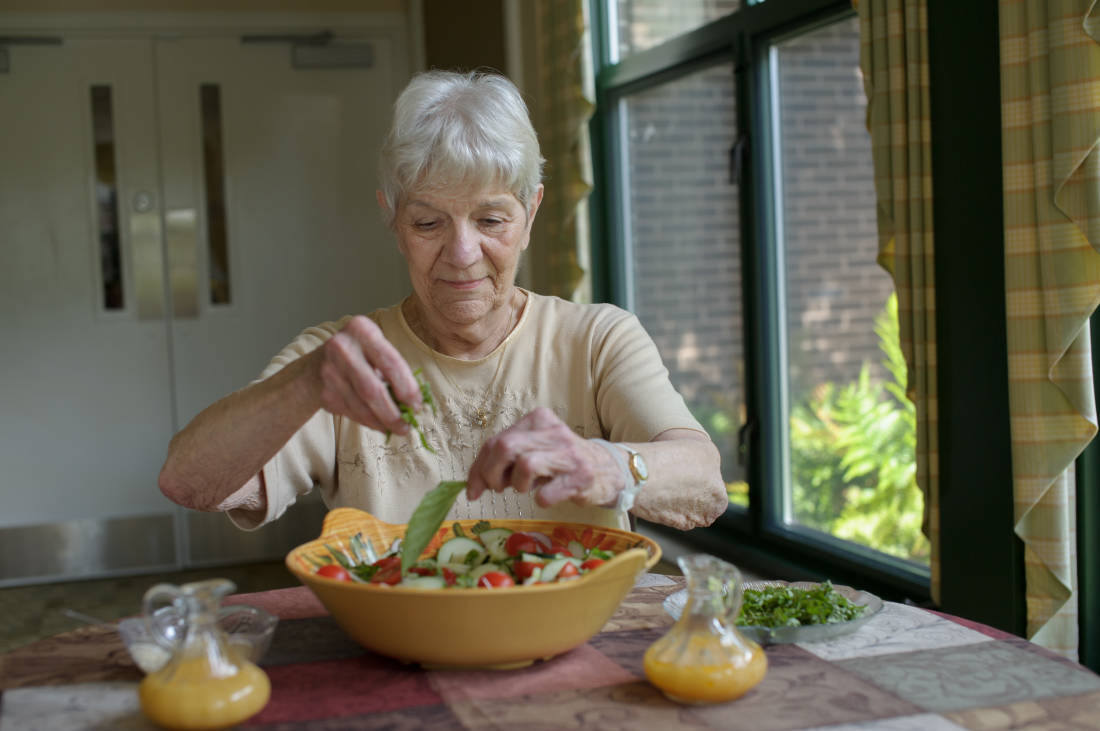8 Easy and Healthy Superbowl Recipes for Seniors
