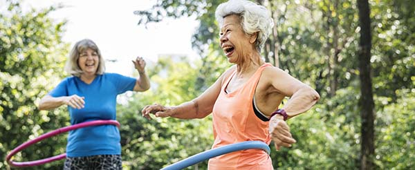 Safe Summertime Activities for Seniors Who Are Social Distancing