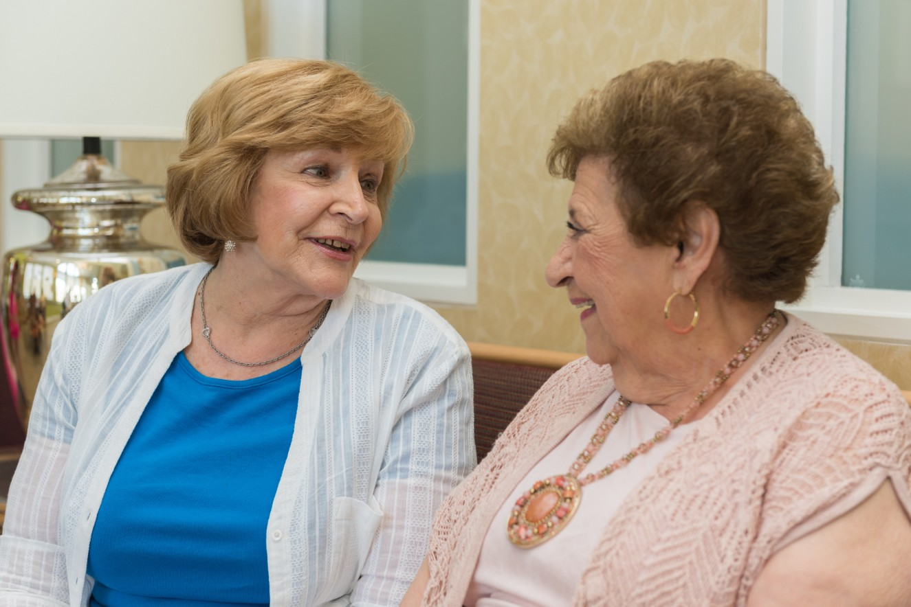 How Moving to Senior Independent Living Early Can Prevent a Crisis